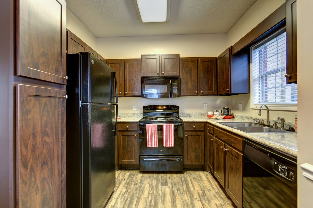 Crowne At James Landing Apartments Corporate Accommodations