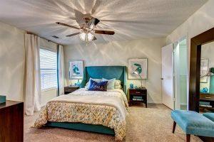 Crowne Club Apartments Bedroom