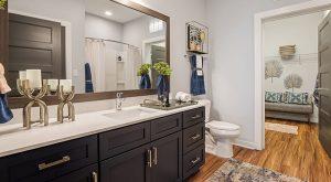 Flats-on-Front-bathroom