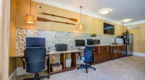 Business-room-Headwaters-apartments-Wilmington