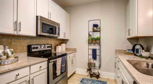 kitchen-Headwaters-apartments-Wilmington