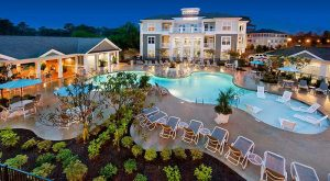 swimming-pool-Headwater-apartments-Wilmington