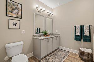 Bathroom-Greenwood-apartments